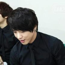 cnblue in waiting room7
