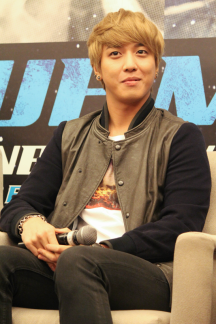 cnbluemoon sg presscon122