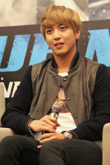 cnbluemoon sg presscon135