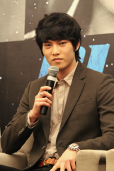 cnbluemoon sg presscon141