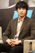 cnbluemoon sg presscon169