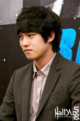 cnbluemoon sg presscon59