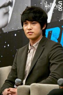 cnbluemoon sg presscon73
