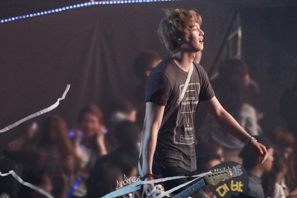 bm hk stage fantaken7