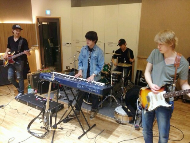 CNBLUE, Long Live Youth Rock and Roll