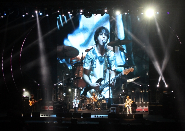 "CNBlue's ""Blue Moon"" Rises in Beijing"